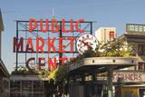 USA, Washington, Seattle. Pike Place Market Built in 1907 Fotografisk trykk av Trish Drury