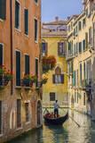Gondola on a Canal in Venice, Italy Fotografisk trykk av Brian Jannsen