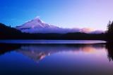 Lake Near Mount Hood Fotografisk trykk av Craig Tuttle