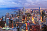 Chicago Skyline Panorama Aerial View with Skyscrapers over Lake Michigan with Cloudy  Sky at Dusk. Reproduction photographique par Songquan Deng