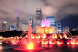Chicago Skyline with Skyscrapers and Buckingham Fountain in Grant Park at Night Lit by Colorful Lig Reproduction photographique par Songquan Deng