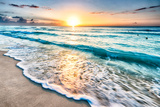 Sunrise over Beach in Cancun Fotoprint van  rebelml