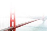 Golden Gate Bridge in the Fog Fotografie-Druck von  prochasson