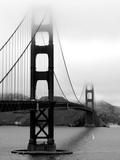 Verlichte Golden Gate Bridge met weerspiegeling in het water Fotoprint van Federica Gentile