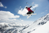 Male Skier Jumping off Bansko Cornice Reproduction photographique par Mike Harrington