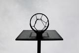Basketball Hoop Fotoprint van Christoph Hetzmannseder