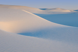 White Sands Natl Mon at Sunrise Reproduction photographique par Russell Burden
