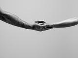 Female and Male Hands Reproduction photographique par Jonathan Knowles