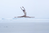 Ballerina Leaping on the Beach Fotografie-Druck von Dimitri Otis