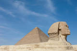 The Great Sphinx of Giza and the Pyramid of Khufu, Giza, Egypt Fotografisk tryk af Cultura Travel/Philip Lee Harvey