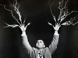 Man with Lightning Shooting from Fingers (B&W) Reproduction photographique par Hulton Archive