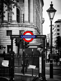 The London Underground Sign - Public Subway - UK - England - United Kingdom - Europe Impressão fotográfica por Philippe Hugonnard