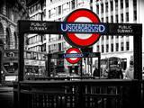 The Underground Signs - Subway Station Sign - City of London - UK - England - United Kingdom Impressão fotográfica por Philippe Hugonnard