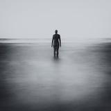 Statue Alone on Beach Lámina fotográfica por Craig Roberts