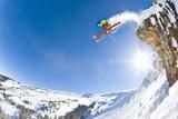 Freestyle Skier Jumping off Cliff Fotografisk trykk av Tyler Stableford