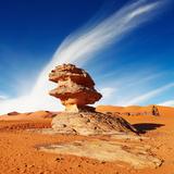 Bizarre Sandstone Cliff in Sahara Desert, Algeria Fotografisk trykk av  DmitryP