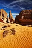 Bizarre Sandstone Cliffs in Sahara Desert, Tassili N'ajjer, Algeria Fotografisk trykk av  DmitryP
