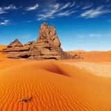 Sand Dunes and Rocks, Sahara Desert, Algeria Fotografisk trykk av  DmitryP