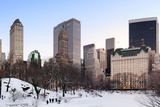 New York City Manhattan Central Park Panorama in Winter with Snow, Freezing Lake and Skyscrapers At Reproduction photographique par Songquan Deng