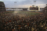 Mets Fans Bombarding the Field Fotografisk trykk
