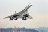 Concorde Supersonic Airliner Landing at Airport Fotografie-Druck