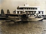 A Seaplane at the Pan Am Seaplane Base, Dinner Key, Florida, 1930s Fotografie-Druck