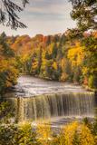 USA, Michigan, Paradise, Tahquamenon Falls State Park, Upper Falls 写真プリント : Frank Zurey