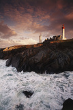 France, Brittany, Finistere, Saint-Mathieu. Lighthouse at Dawn Reproduction photographique par Walter Bibikow
