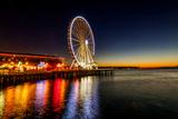 USA, Washington, Seattle. the Seattle Great Wheel on the Waterfront Fotoprint van Richard Duval