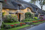 Thatched Cottage in Broad Campden, Cotswolds, Gloucestershire, England Fotografisk tryk af Brian Jannsen