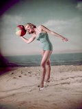 Beach Ball Girl, Woof Reproduction photographique par Charles Woof
