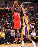 Houston Rockets v Los Angeles Lakers Photographie par Bill Baptist