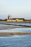 Windmill and Saltworks, Marsala, Sicily, Italy Fotografisk trykk av Massimo Borchi