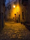 Night Scene from the Streets of Montefillairi Chianti Tuscany Fotografisk trykk av Terry Eggers