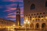Doges Palace and Campanile after Sunset, Venice, UNESCO World Heritage Site, Veneto, Italy, Europe Impressão fotográfica por Angelo Cavalli