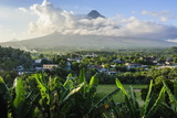 View from the Daraga Church to the Volcano of Mount Mayon, Legaspi, Southern Luzon, Philippines Fotografisk trykk av Michael Runkel