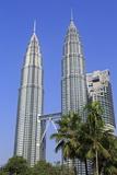 Petronas Towers, Kuala Lumpur, Malaysia, Southeast Asia, Asia Fotografisk tryk af Richard Cummins
