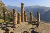 Temple of Apollo, Delphi, UNESCO World Heritage Site, Peloponnese, Greece, Europe Fotografisk tryk af Eleanor Scriven