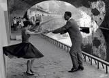 Rock 'n' Roll Dancers on Quays of Paris, River Seine, 1950s Posters af Paul Almasy