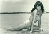 Bettie Page Summer Sun Bettie Pin-Up Plakater