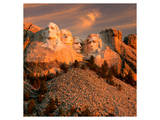Sunset Over Mount Rushmore Posters