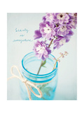 Vibrant Floral Setting 1 Giclée-Premiumdruck von Susannah Tucker