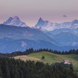 Emmental Valley and Swiss Alps in the Background, Berner Oberland, Switzerland Fotografie-Druck von Jon Arnold