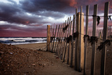 A Wooden Fence on a Sandy Beach on the Outer Banks of North Carolina Reproduction photographique par Chris Bickford