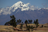 A View in Urubamba Valley, or Sacred Valley and the Andes Mountains Fotografisk trykk av Michael Melford