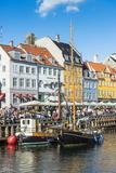 Fishing Boats in Nyhavn, 17th Century Waterfront, Copernhagen, Denmark, Scandinavia, Europe Lámina fotográfica por Michael Runkel