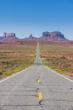 Long Road Leading into the Monument Valley, Arizona, United States of America, North America Fotografisk trykk av Michael Runkel
