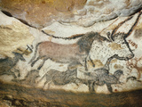 Cave of Lascaux, Great Hall, Left Wall: First Bull, Red Horse, Brown Horses, C. 17,000 BC Giclée-tryk