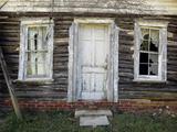 Old Log Cabin, Exterior 4 (Pittsboro, NC) Seinätarra tekijänä Henri Silberman