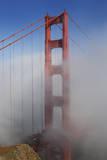 Golden Gate Bridge Tower in Fog 1 Autocollant mural par Henri Silberman